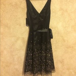 Adrianna Papell Dresses - Adrianna Papell black tulle & gold glitter dress